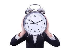 朝は体が痛くなりやすい時間帯 時計男