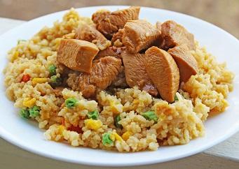 トレーニング前の食事プラン チキン炒飯