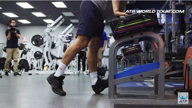 テニス選手のオフトレーニング 錦織圭選手の場合 錦織圭のふくらはぎの筋肉 ストレッチ