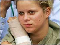 キム・クライシュテルス 左手首の怪我