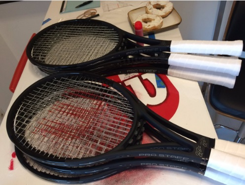 マイアミ・オープン 決勝戦を前にしたR・フェデラーのラケットが張り上がる