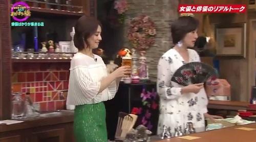 4月12日 天海祐希・石田ゆり子のスナックあけぼの橋 ビールの様子が