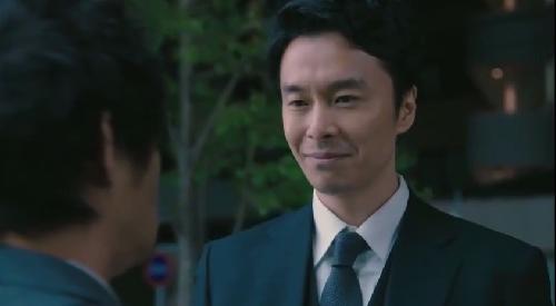 第2話 日曜劇場「小さな巨人」 香坂の不敵な笑み