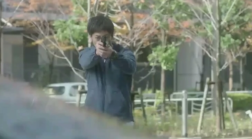 フジテレビ 第6話 「CRISIS クライシス 公安機動捜査隊特捜班」 里見修一が構える銃は乾陽一警視総監に向けられる