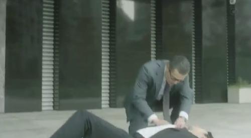 フジテレビ 第6話 「CRISIS クライシス 公安機動捜査隊特捜班」 撃たれたSPの安否を確認する吉永三成(田中哲司)