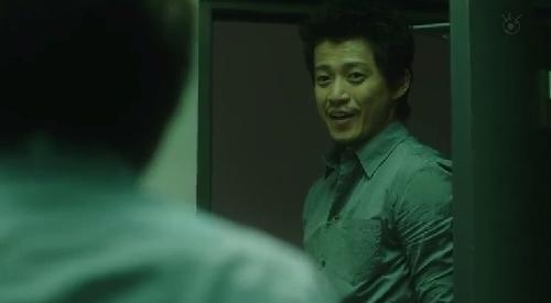 第7話 フジテレビ 「CRISIS クライシス 公安機動捜査隊特捜班」稲見朗(小栗旬)は坂本に微笑みながら「お前、案外センチメンタルなんだな。」
