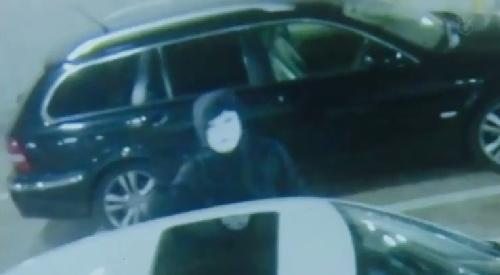 第7話 フジテレビ 「CRISIS クライシス 公安機動捜査隊特捜班」 坂本・大庭あきと(今井悠貴)の部屋から出てきたのは依然犯行に使われたマスクが