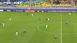 FIFA U-20 ワールドカップ 韓国大会 2017 グループD ウルグアイ vs 日本戦 キックオフ直後