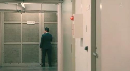 TBS 日曜劇場 「小さな巨人」 第6話 芝署編完結 証拠品保管庫に証拠品を隠す三笠洋平署長(春風亭昇太)