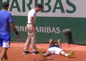 全仏オープン 6月1日(木) 5日目 男子シングルス2回戦 フアン・マルティン・デル・ポトロ(アルゼンチン) vs ニコラス・アルマグロ(スペイン) デルポトロの対応