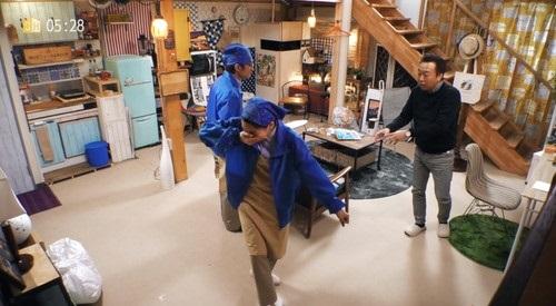 Amazon さまぁ~ずハウス 第2話 「家事代行」 笑いをこらえるのん
