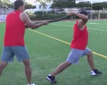 プロ野球・菅野智之は自主トレで何を行っていたのか?ハワイの競技場でミズノ、モーション・ロープを使ったトレーニングを行う菅野智之