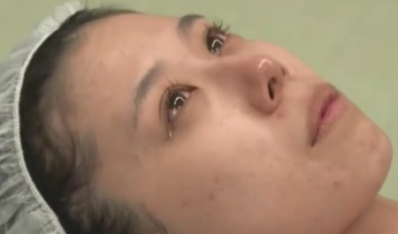 ザ・ノンフィクション 有村藍里の整形手術に密着 手術直前に手術台で涙を流す有村藍里