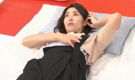 ソレダメ紹介の骨ストレッチのやり方。寝起きに効果的なおすすめ骨ストレッチ3種類で快適な目覚め あばら骨をさするだけ