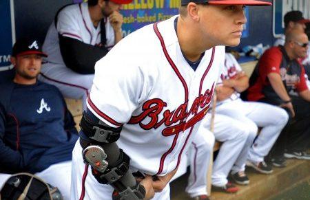 エンゼルス大谷翔平がトミー・ジョン手術後のリハビリ過程で装着している右肘のゴツいプロテクター クリス・メドレンの着用例