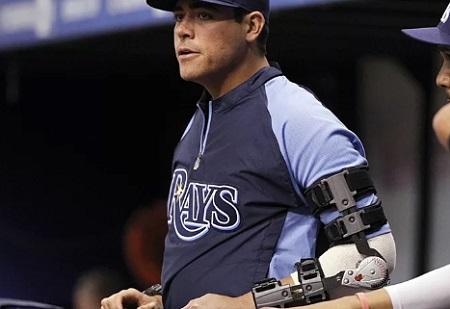 エンゼルス大谷翔平がトミー・ジョン手術後のリハビリ過程で装着している右肘のゴツいプロテクター マット・ムーアの着用例
