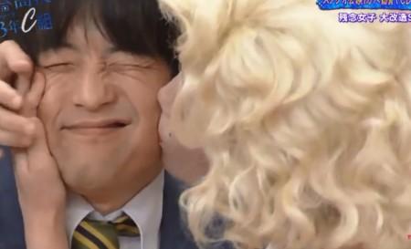 第320回「青春高校3年C組 木曜日」女子改造企画というかコスプレ大会でバカリズム先生にキスをする小倉