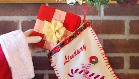 第72回 NHK「チコちゃんに叱られる!」クリスマスプレゼントを靴下に入れる理由?なぜピアノの鍵盤は白黒?