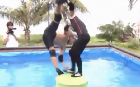 「イッテQ遠泳部第3弾(第4弾)企画」おもしろ動画QTubeで手越祐也、宮川大輔の浮島ジャンプの豪快過ぎる落下w