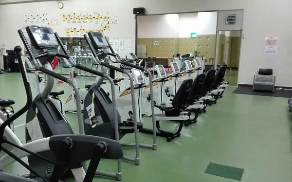 草加市スポーツ健康都市記念体育館 トレーニング室有酸素運動エリア