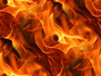 火事の主な出火原因は「たばこ」や「コンロ」?原因第1位はアレです。