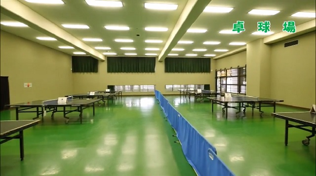 草加市スポーツ健康都市記念体育館の卓球場