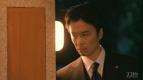日曜劇場「小さな巨人」 張り込む香坂真一郎(長谷川博己)04