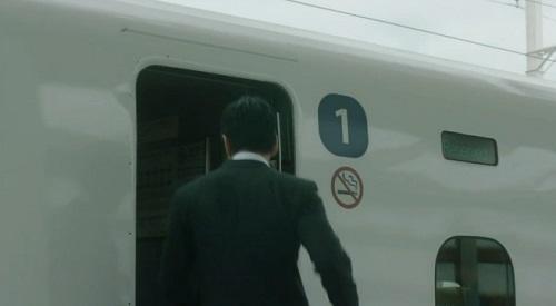 CRISIS クライシス 公安機動捜査隊特捜班 新幹線1号車に乗り込む西島秀俊