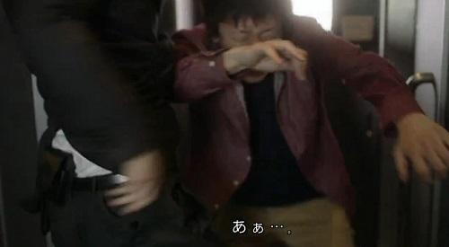 CRISIS クライシス 公安機動捜査隊特捜班 田丸三郎(西島秀俊)の手錠ホルダーの位置