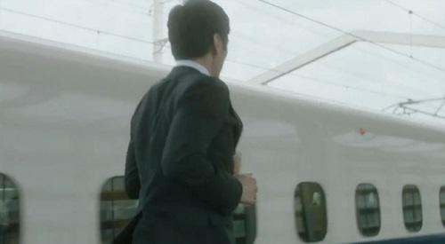 CRISIS クライシス 公安機動捜査隊特捜班 走る後ろ姿の田丸三郎(西島秀俊)