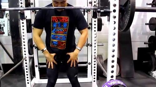 クロスフィット的スクワットの注意点 反り腰を防ぐ 大臀筋を固める