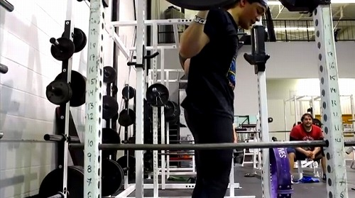 クロスフィット的スクワットの注意点 反り腰を防ぐ (4)