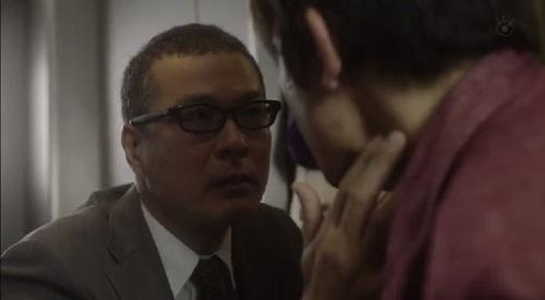 第1話 CRISIS クライシス 公安機動捜査隊特捜班 吉永三成(田中哲司)の脈拍チェック