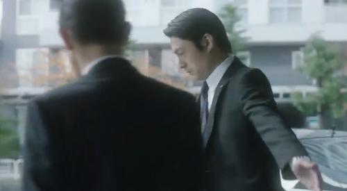 フジテレビ 第6話 「CRISIS クライシス公安機動捜査隊特捜班」 SPに誘導される乾陽一警視総監