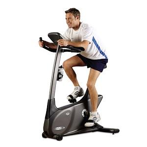 ジムで一番効果的な有酸素運動マシン。そのベストとワースト ステーショナリーバイク(エアロバイク)