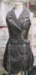 セブンルール 伊藤聡美が2018年-2019年シーズンで手掛けた衣装は約40着 スタッズ革ジャン風