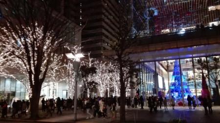 2018年 丸の内エリアのイルミネーションスポット ユーミンコラボのクリスマスツリー