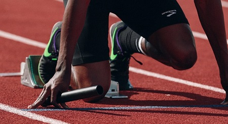 """マラソンと100mの走り方は基本的に同じ?秋本真吾が指導する速く走る為のコツはとにかく""""コレ""""を意識する事"""