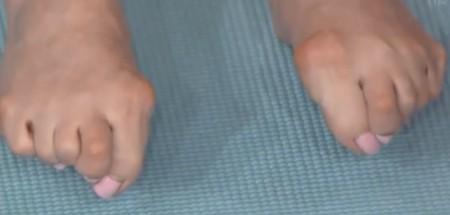 この差って何ですか?体のゆがみSP 隠れ浮き指の自宅チェック法 外反母趾が強くても浮き指とは限らない