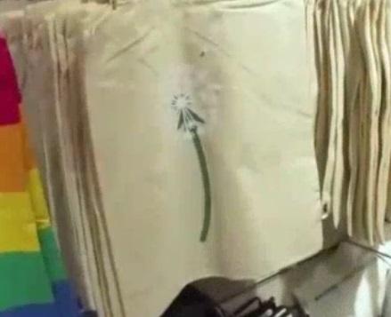 マツコと天海祐希が購入したフライングタイガーのたんぽぽの綿毛デザインのエコバッグ