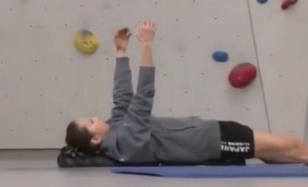 懸垂を「根性論」と切り捨てるプロクライマー野口啓代の筋肉を作るトレーニングとは?トレーナー千葉啓史のトレーニングメニュー ストレッチポール
