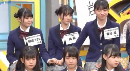第446回「青春高校3年C組」MelodiX出演の裏側密着で兎遊が「アイドルを辞める」発言で涙。スタジオで手をつなぐ頓知気、兎遊、兼行の3人