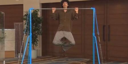 滝藤賢一の背筋を鍛える懸垂トレーニングのやり方
