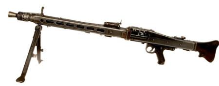 ルパン三世 カリオストロの城 地下迷宮の白骨化死体の側にある銃は残骸状態のMG42