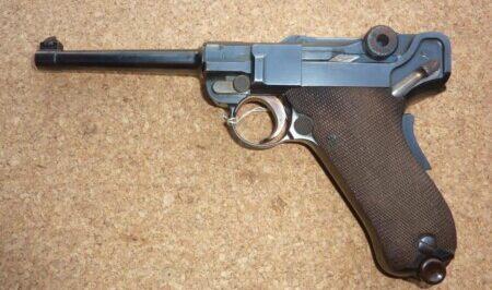 ルパン三世 カリオストロの城 峰不二子の銃はルガーP1900