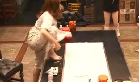 女子メンタル2 菊地亜美vsファーストサマーウイカ ガチ喧嘩叩いてかぶってジャンケンポンが面白い テーブルに足をかける菊地亜美