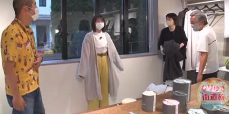 乃木坂46秋元真夏のかわいいタオル素材の部屋着&買える店は?バスローブを試着