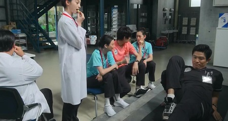 TOKYO MER 喜多見チーフ(鈴木亮平)の筋肉&筋トレシーンまとめ 第8話 バイシクルで腹筋