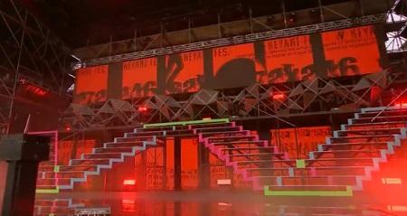 櫻坂46『流れ弾』の赤い衣装とW-KEYAKI FES. 初日のオープニング曲での赤い照明はリンク?